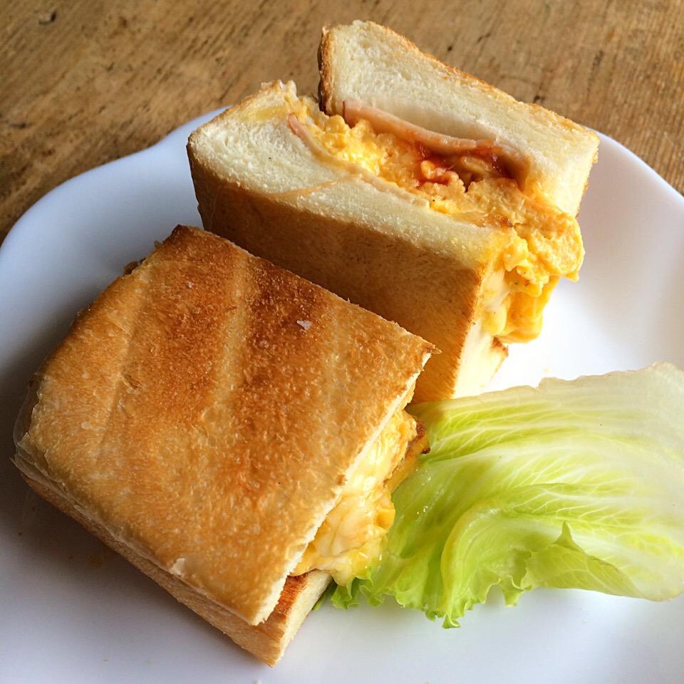 外側の端っこパンで玉子サンド‼︎