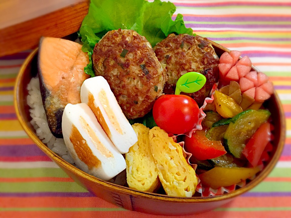 Subtly low-calorie bento for men