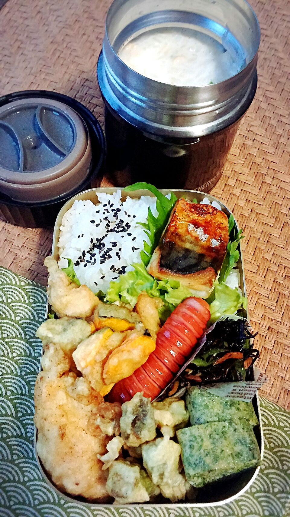 天ぷら弁当、鶏むアスカボチャ ②の。 ①は、牛乳粥