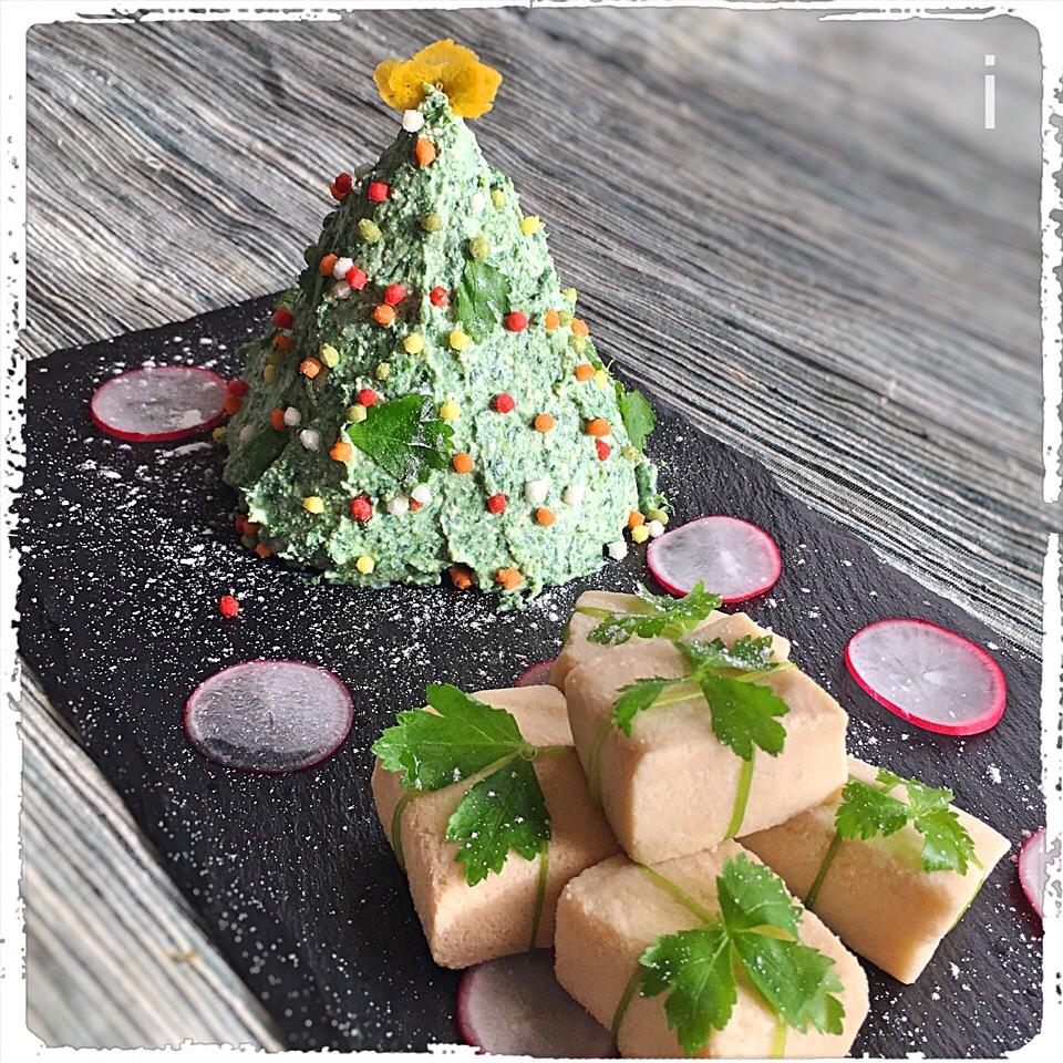 ほうれん草の白和えツリーと高野豆腐のクリスマスプレゼント ?? 【Spinach and Tofu Salad with Freeze-Dried Tofu Christmas Present】