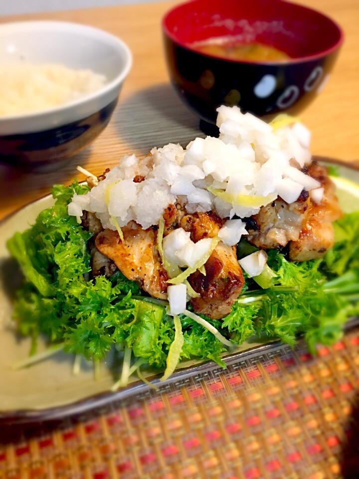 パリパリ鶏肉のカブと柚子ダレサラダ