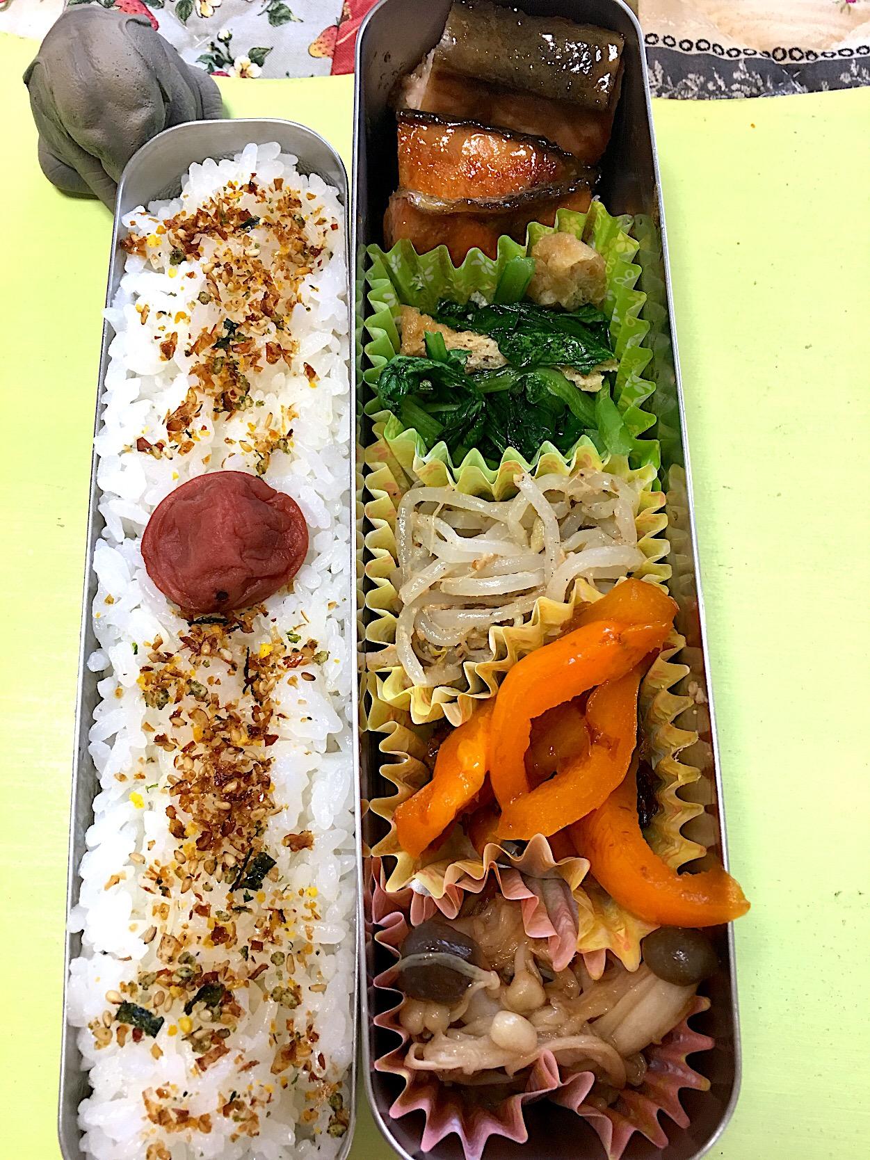シャケ照り焼き もやしナムル 小松菜の煮浸し パプリカのおかか炒め きのこ炒め