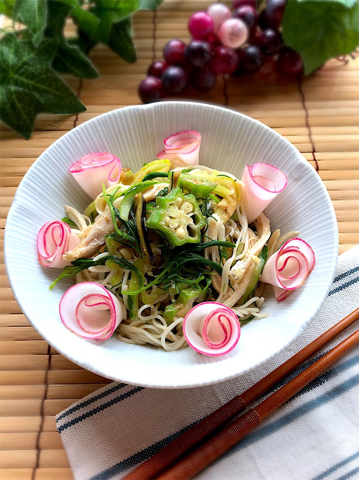 素麺と蒸し鶏の夏野菜和え
