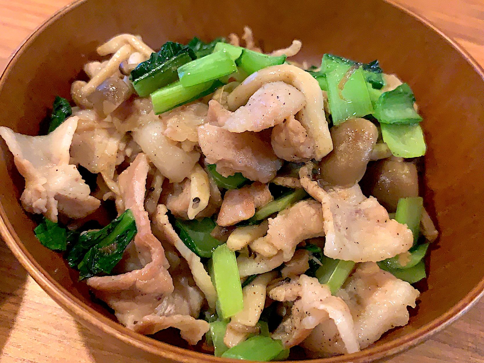 豚バラと小松菜しめじの簡単中華風炒め