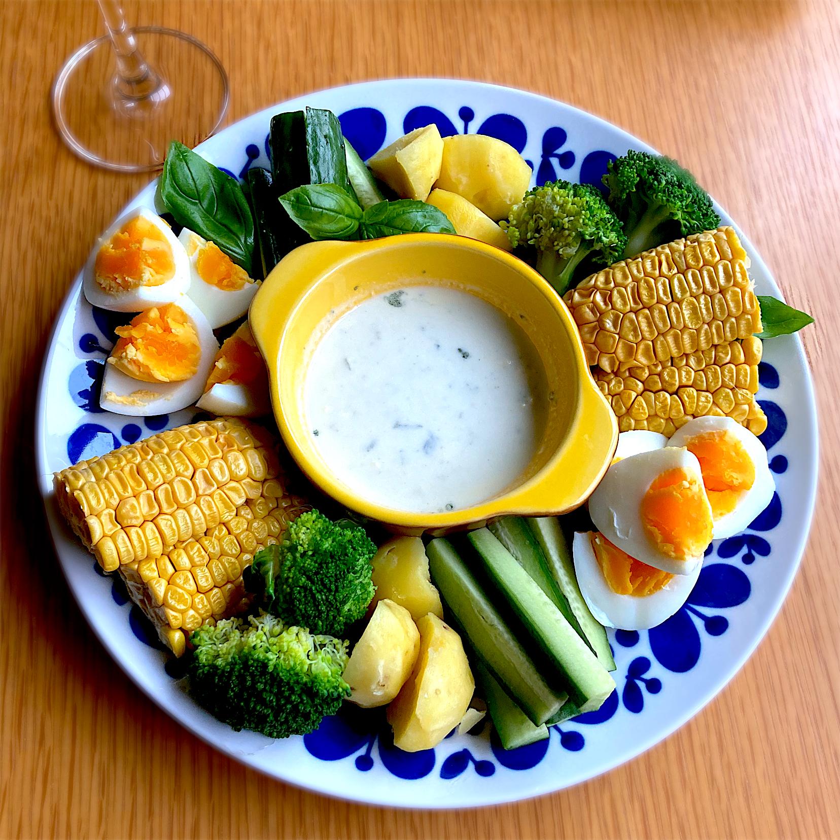 夏野菜のブルーチーズディップ
