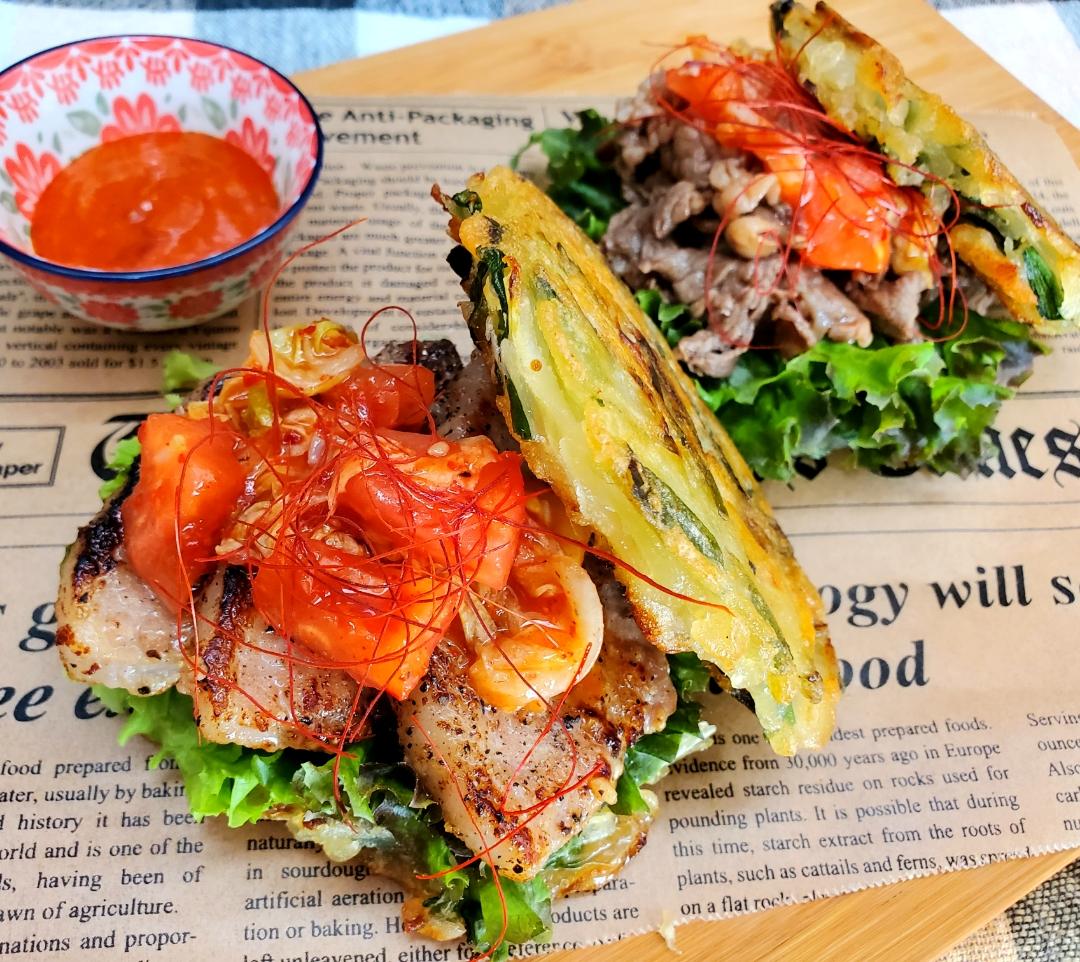 チヂミでサンド!ガッツリ肉肉バーガー(  ˙▿˙ )