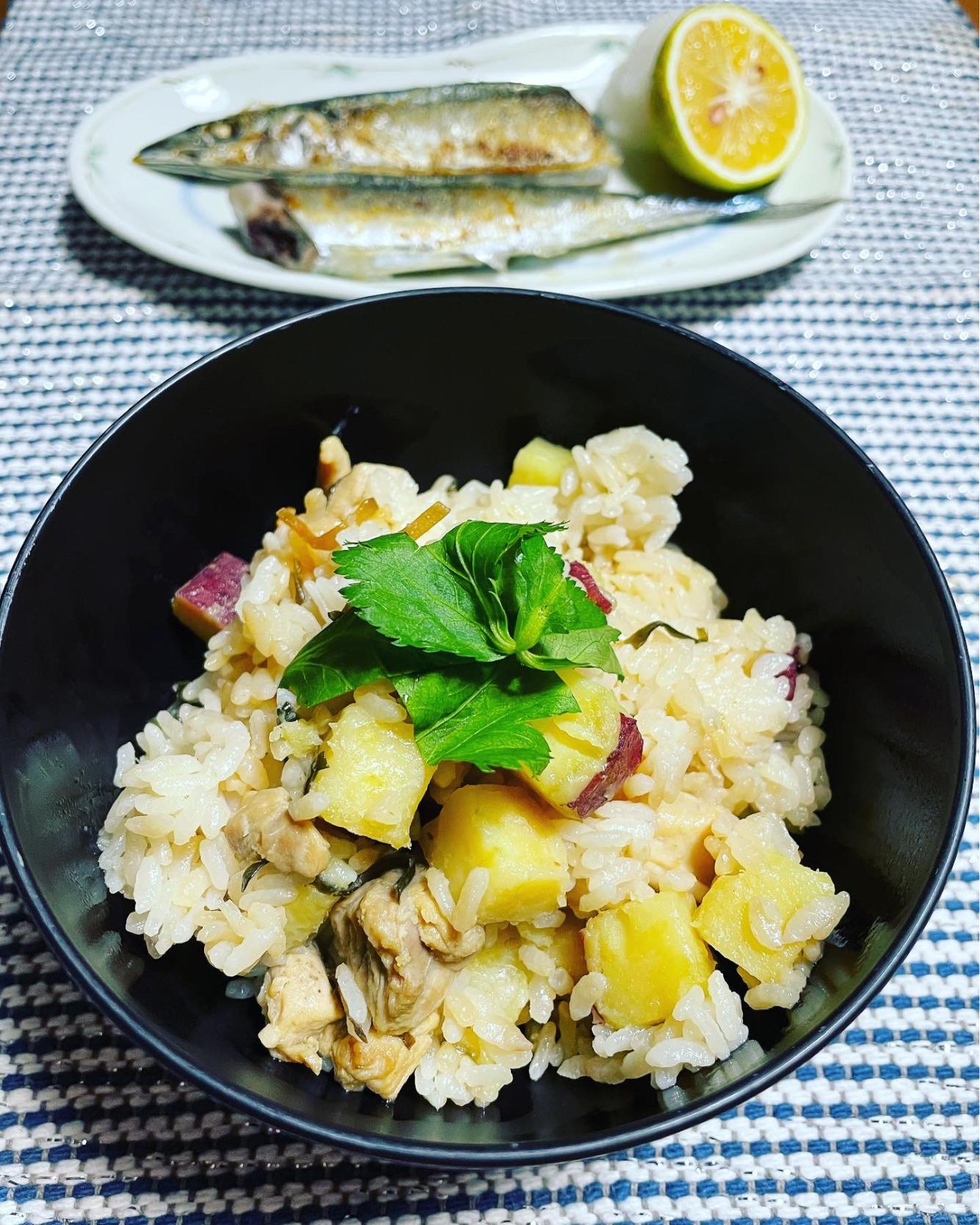 バター香る芋ご飯と秋刀魚の塩焼き